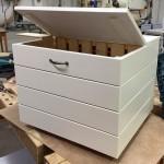 Laatikko keittiöön - muovit ja pahvit keräykseen